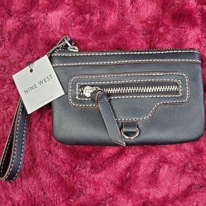 NINE WEST BLACK MINI WRISTLET WITH WHITE STITCHING